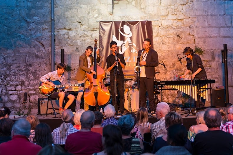 06 Jazz in Fort l'Ecluse-Lost in Swing 2015