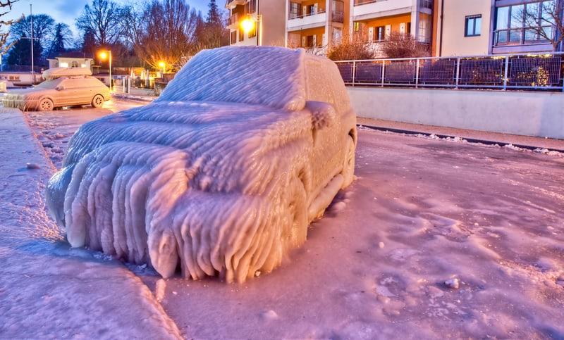Frozen car in Switzerland in 2012 - © Akulamatiau | Dreamstime.com