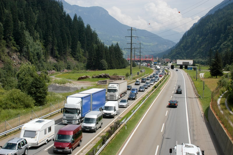 Queuing for the Gotthard road tunnel - © Stefano Ember | Dreamstime.com