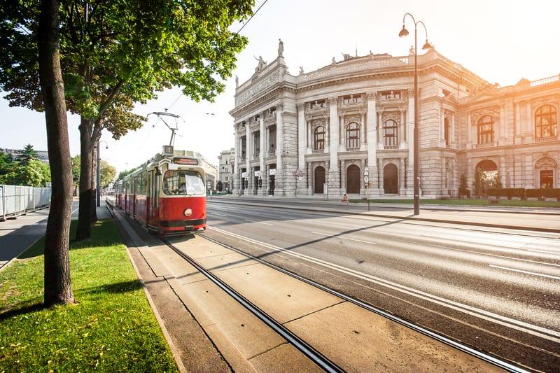 Vienna scores well on public transport - © minnystock | Dreamstime.com