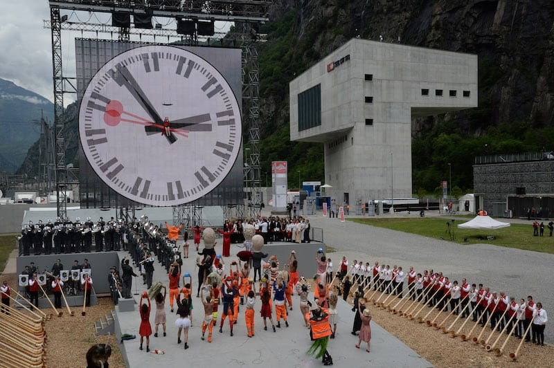 Swiss style countdown - Gotthard base tunnel - Copyright 2016 Gottardo