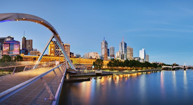 Melbourne at dusk from the Yarra river - © David Iliff | Dreamstime.com