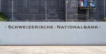 Lenders pay to lend money to Switzerland