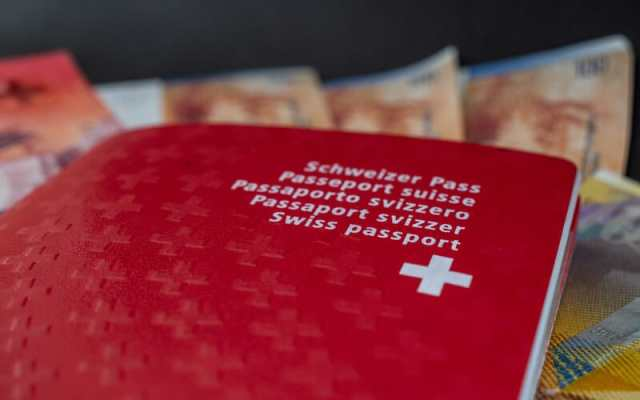Swiss citizenship boosts earnings