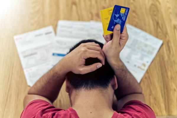 Close to one fifth of households in Switzerland behind on debt payments
