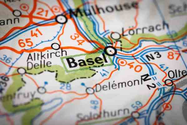 Resistance to Swiss government ban on gathering in Basel