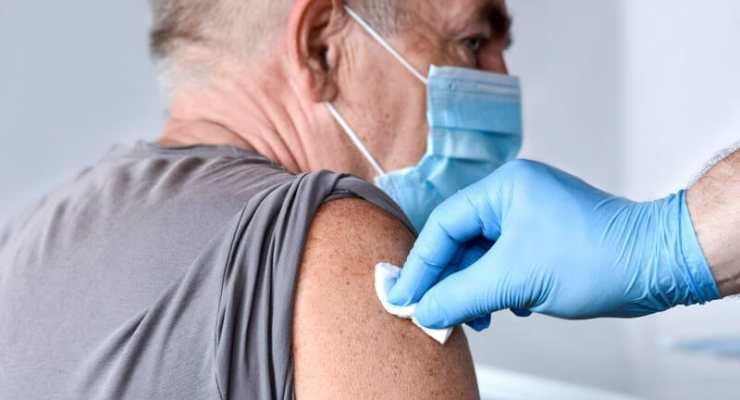 Covid: Switzerland looks at third vaccine doses
