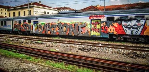 Anonymous Italia appoggia la manifestazione di Roma e attacca i siti del governo italiano.