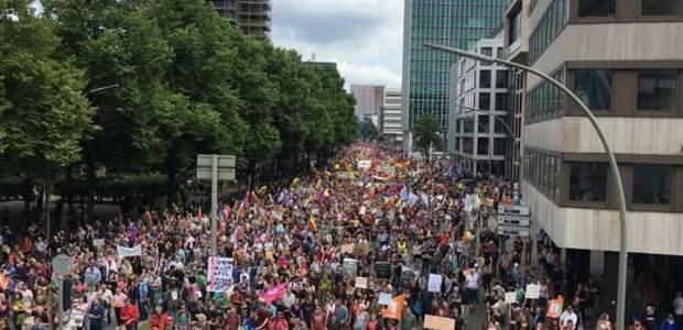 G20 Amburgo a ferro e fuoco, città devastata, i video.