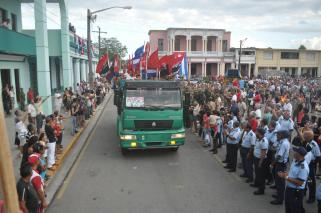 Entrada de la simbólica caravana a la Plaza de la Libertad en Camagüey