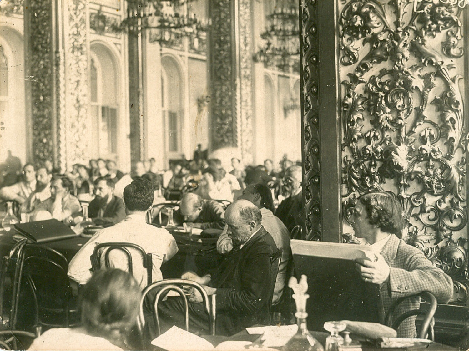 Photo. V. I. Lenin at the session of the Second Congress of Comintern in the St. Andrew's hall of the Kremlin. RSFSR, Moscow. July 23 – August 6, 1920. Photographer V. K. Bulla