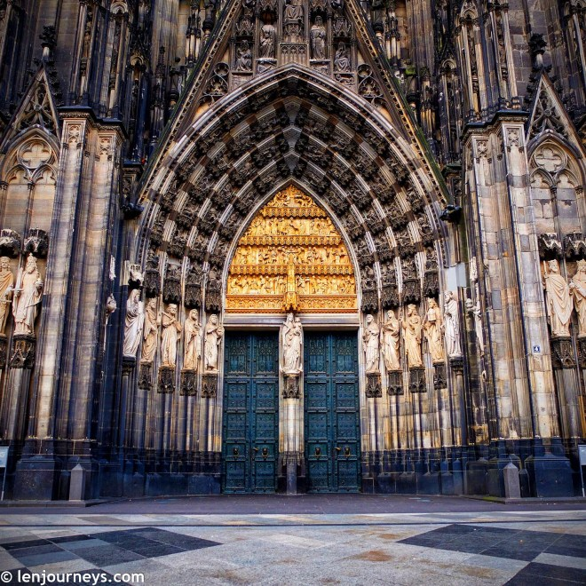 Main entrance to Cologne Cathedral
