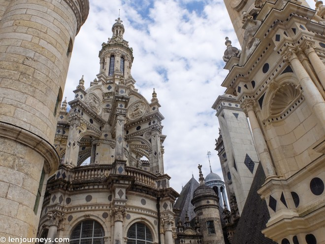 Blending Renaissance features with French medieval structures