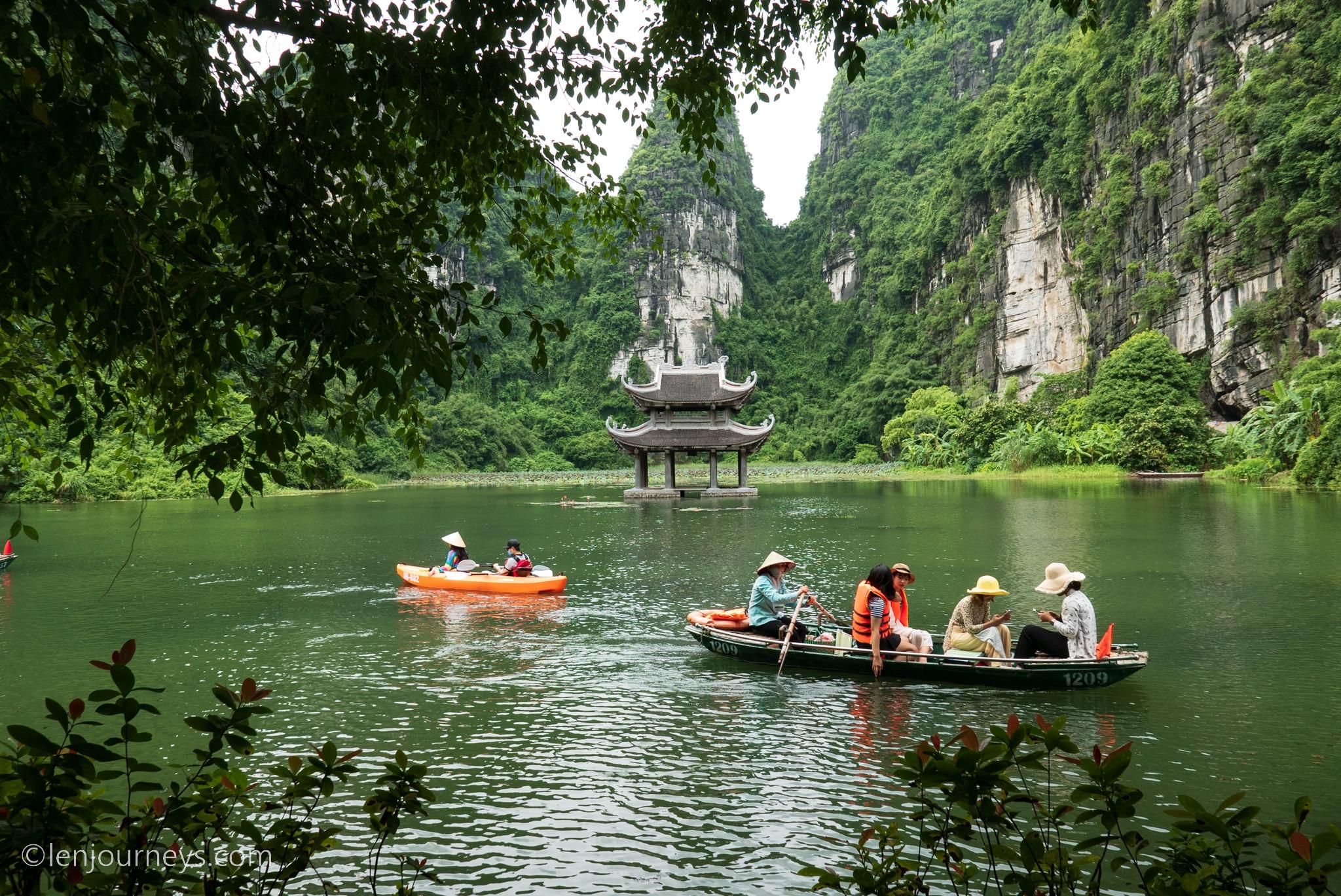 Vu Lam Royal Steps, Ninh Binh