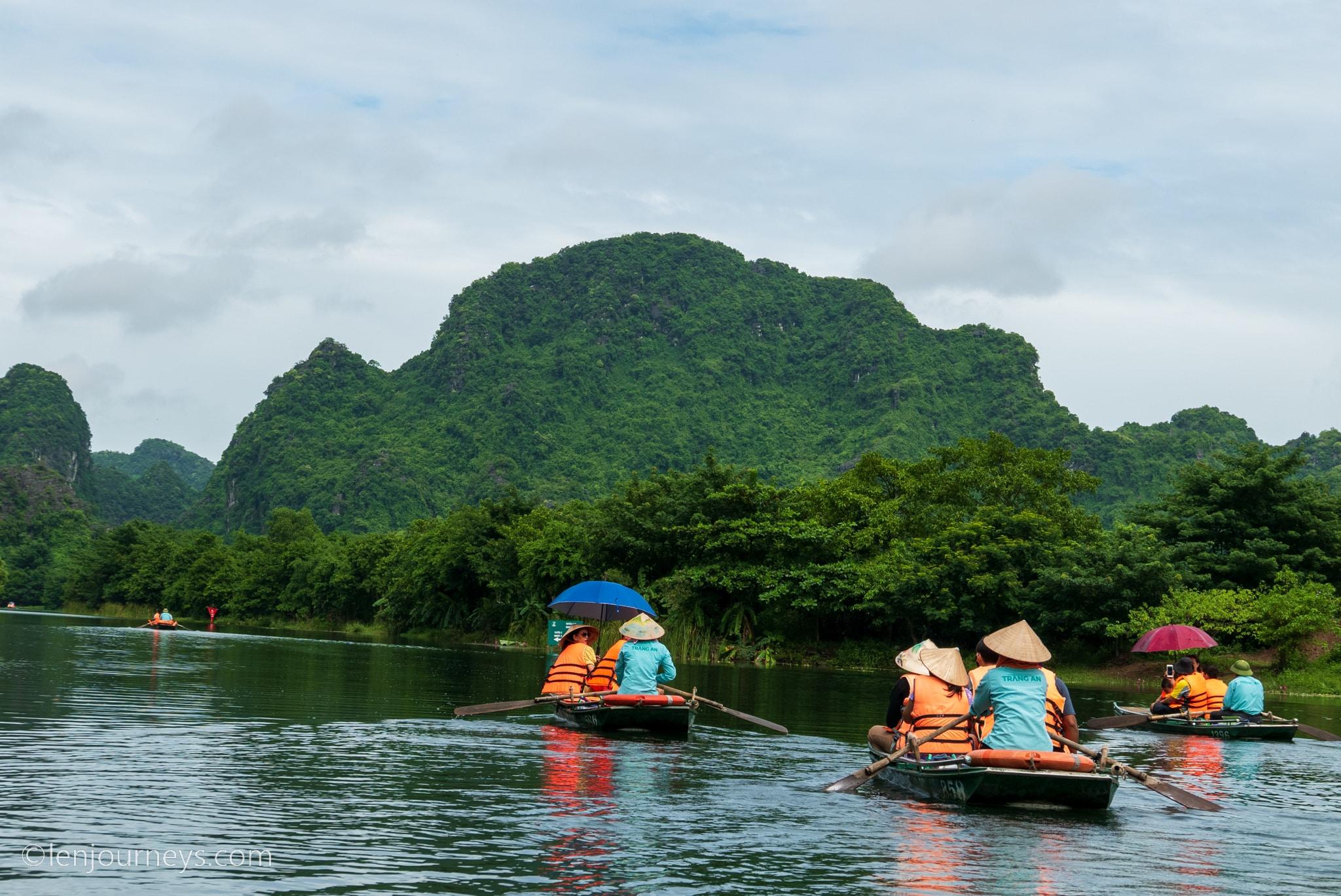 Sampan at Trang An, Ninh Binh