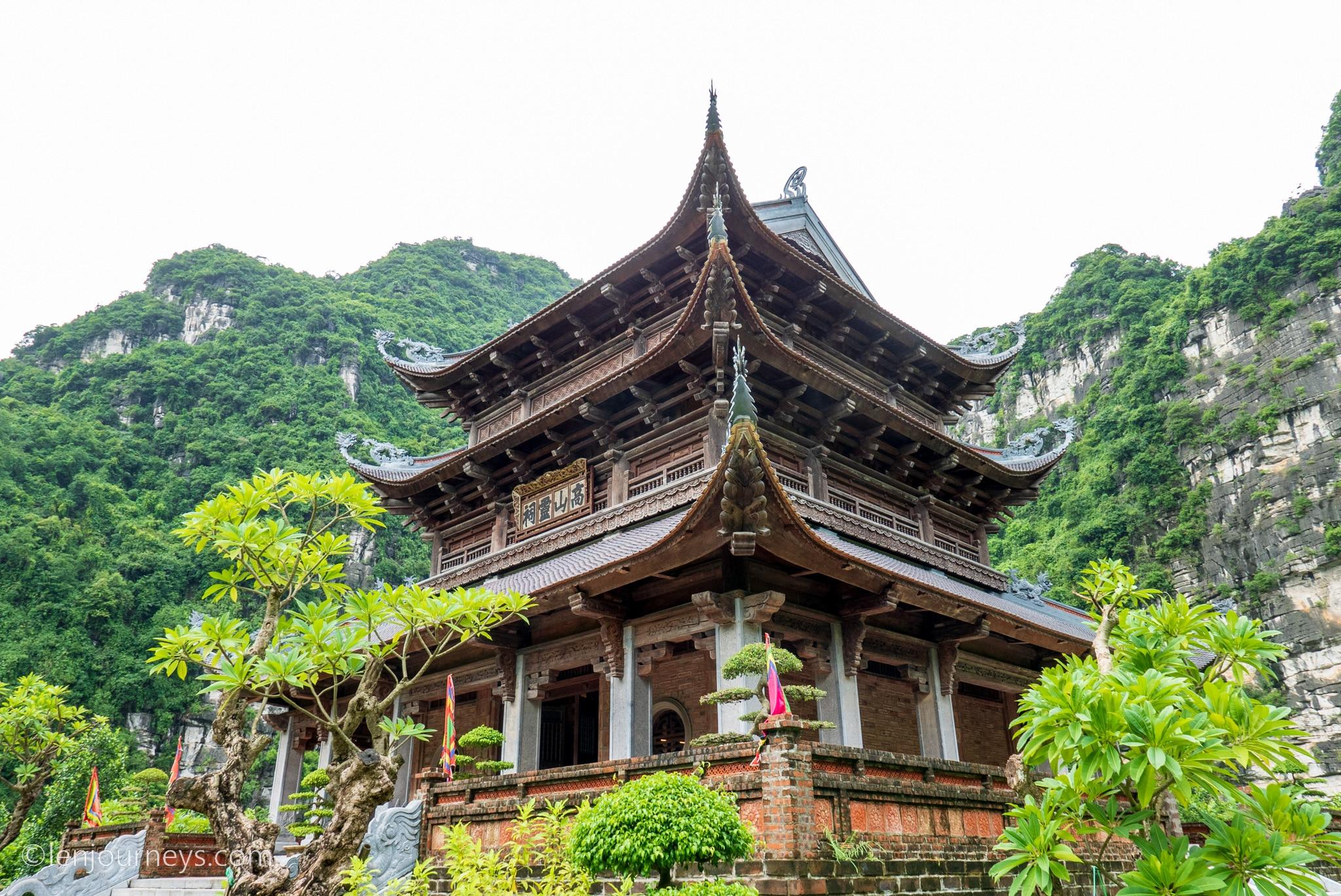Cao Son Temple at Trang An