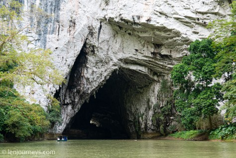 Jaw-like entrance to Puong Cave