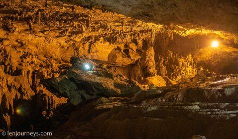 Nguom Ngao Cavern