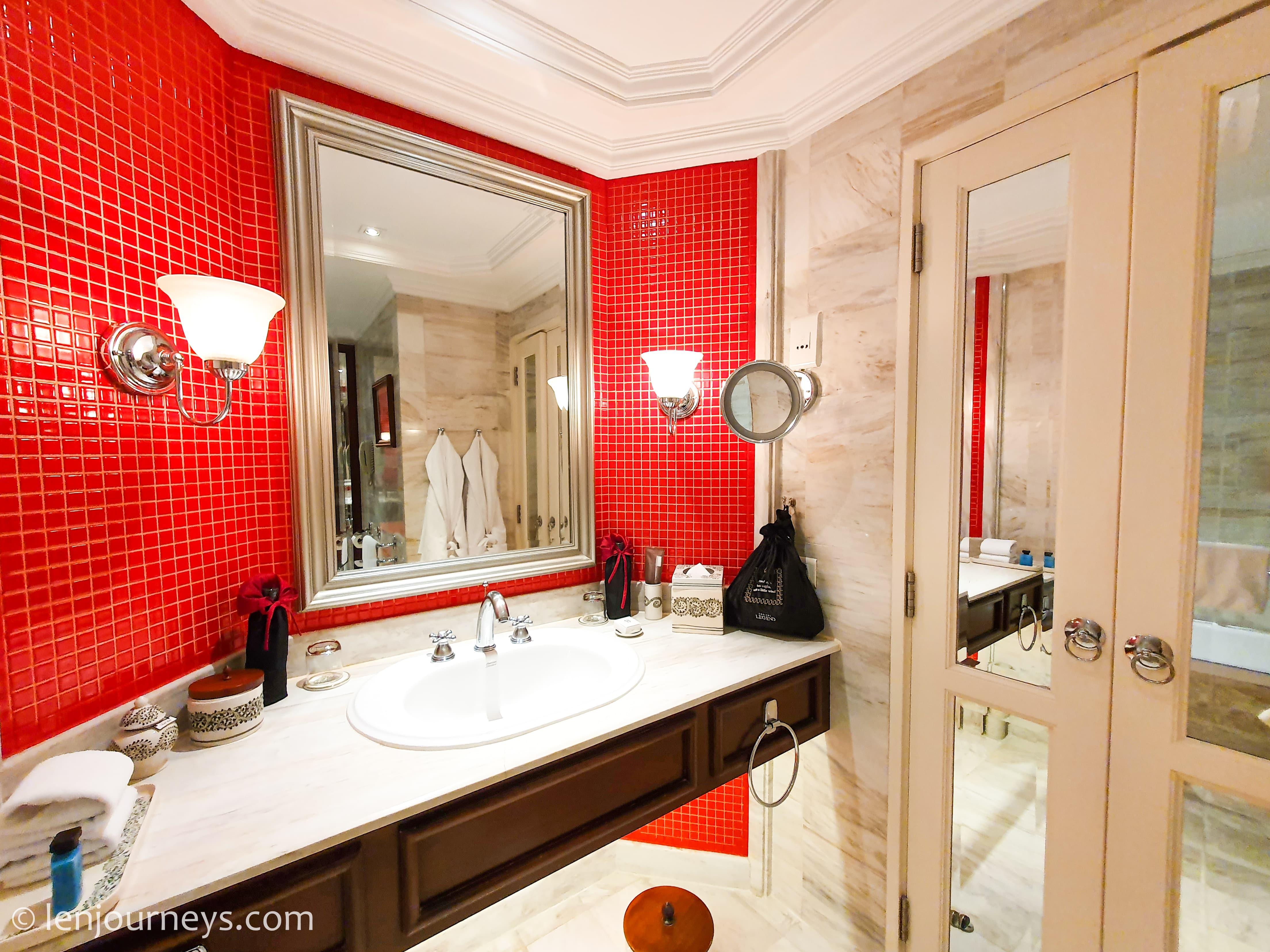Stylish bathroom, Opera Wing