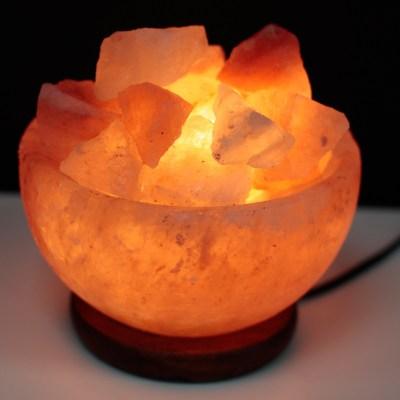 Himalájská solná lampa elektrická - miska s kusy soli