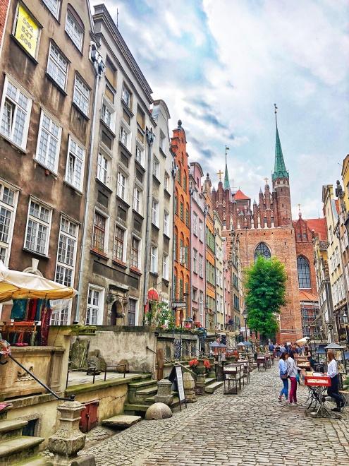 Mariánska bazilika z Mariánskej ulice, Gdansk, severné Poľsko