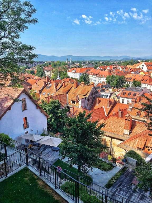 výhľad z apartmánov Stella Sky, Ľubľana, Slovinsko