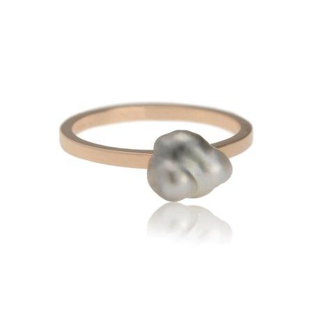 roodgouden ring met een zuidzee keshi parel