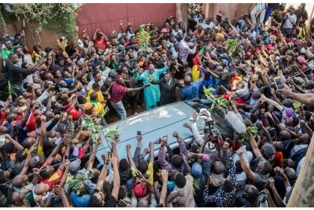 Cameroun : Paul Biya libère Maurice Kamto et 333 détenus de la crise anglophone pour réussir le grand dialogue national