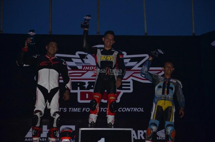 Wahana Makmur Sejati dukung minat balap anggota komunitas Honda CBR pada ajang Indonesia CBR Race Day, yang berlangsung di Sentul pada Minggu, 22 April. (1)