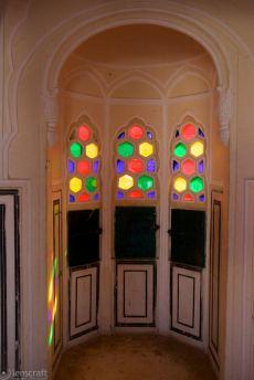 the maharani's viewing chamber / jaipur palace, india