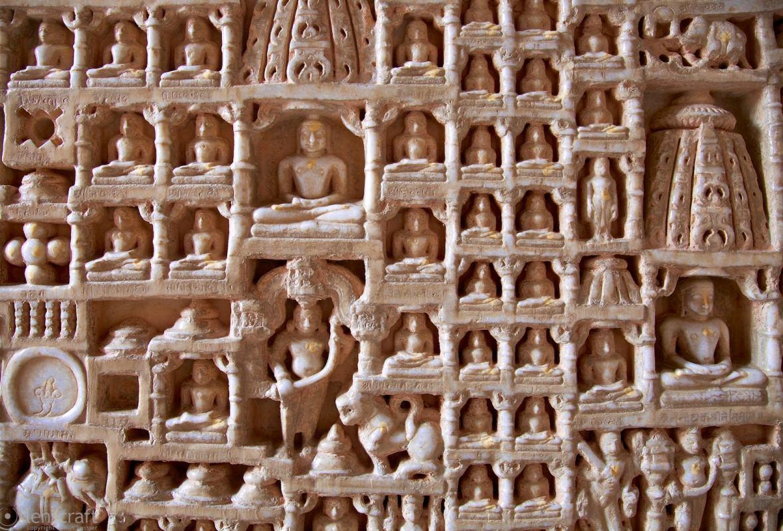 carving / ranakpur, india