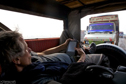 on the road to jaisalmer / india