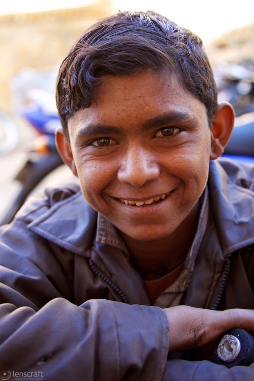 the shoe boy / jaisalmer, india