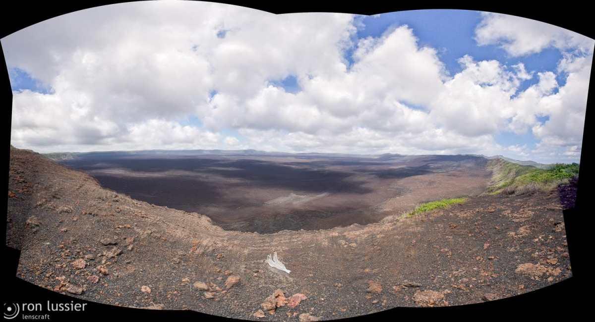 sierra negra volcano / isabella