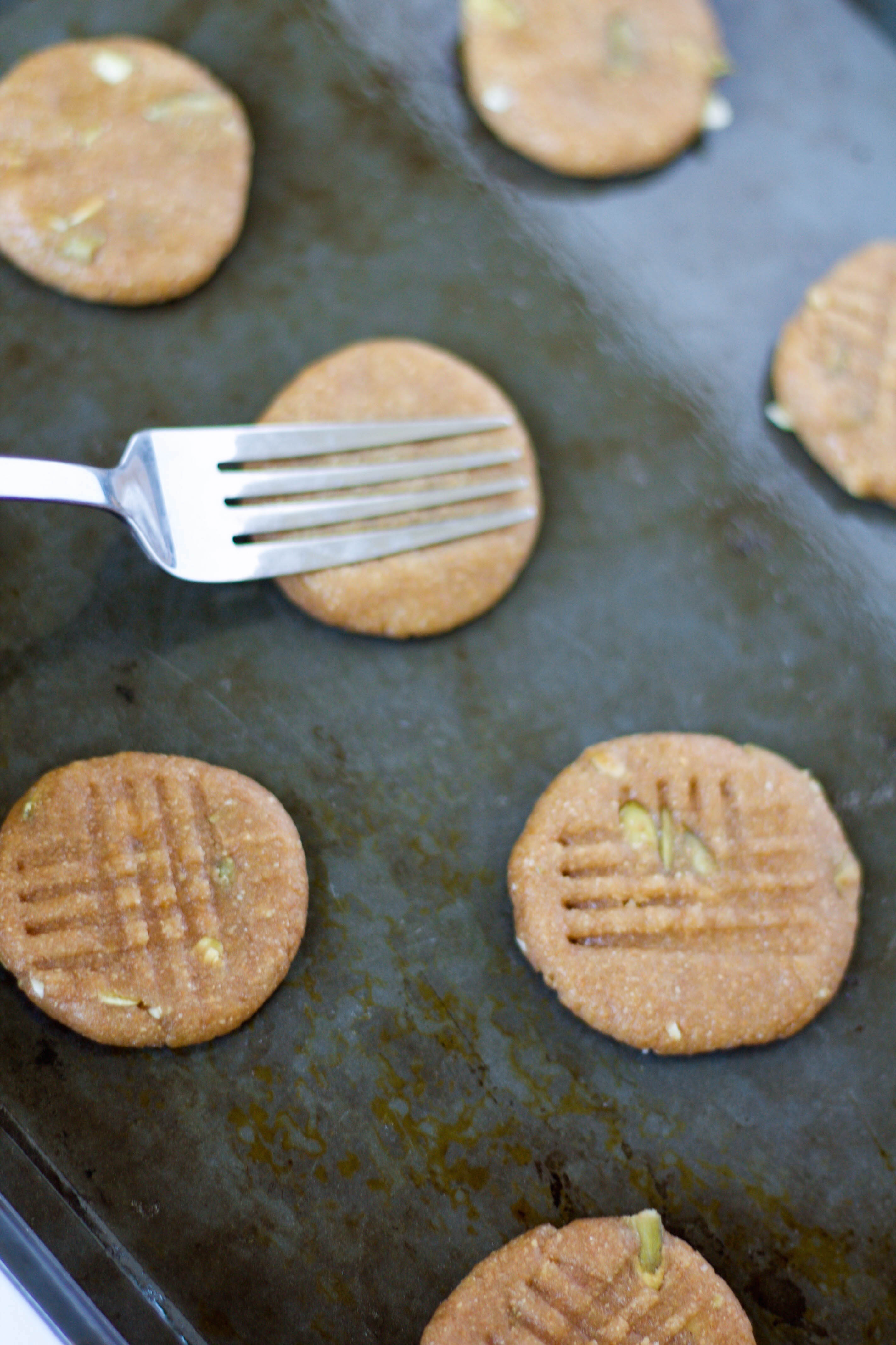 7-ingredient tahini pumpkin cookies