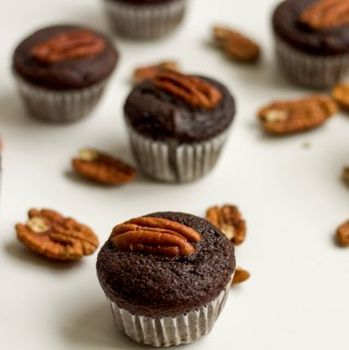 mini chocolate pecan cupcakes