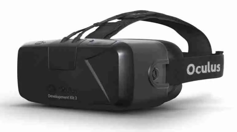 Facebook VR set Oculus