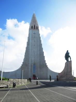 the famous church Hallgrímskirkja