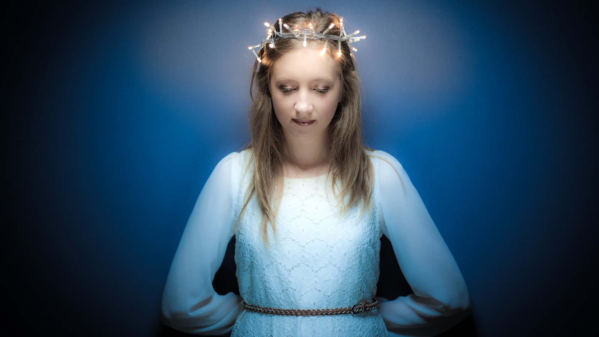 How To Balance Flash With Fairy Lights For Portrait