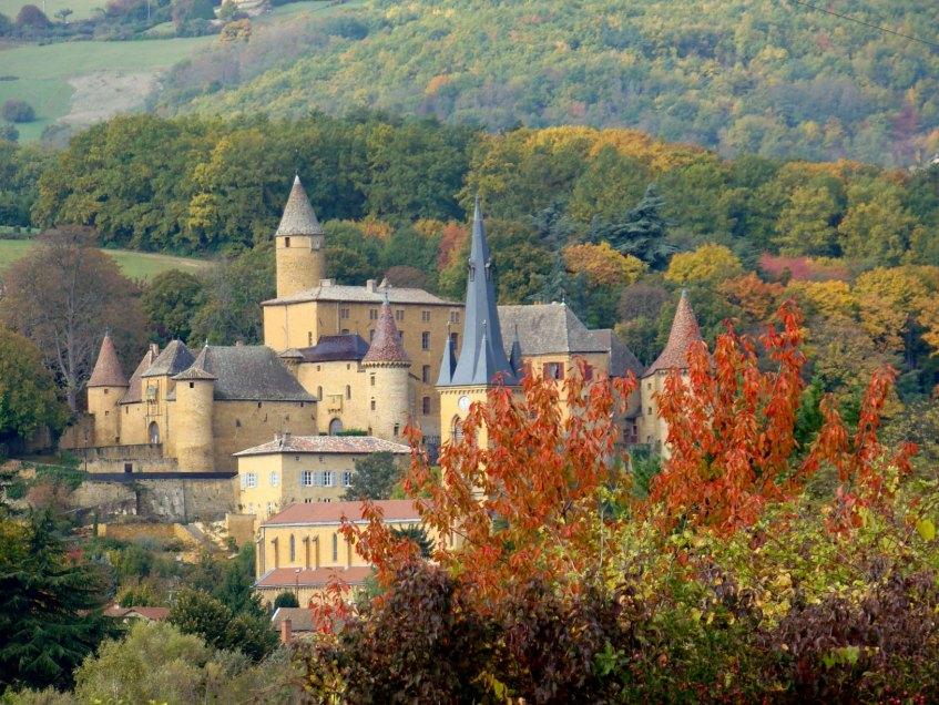 Chateau_eglise_Jarnioux