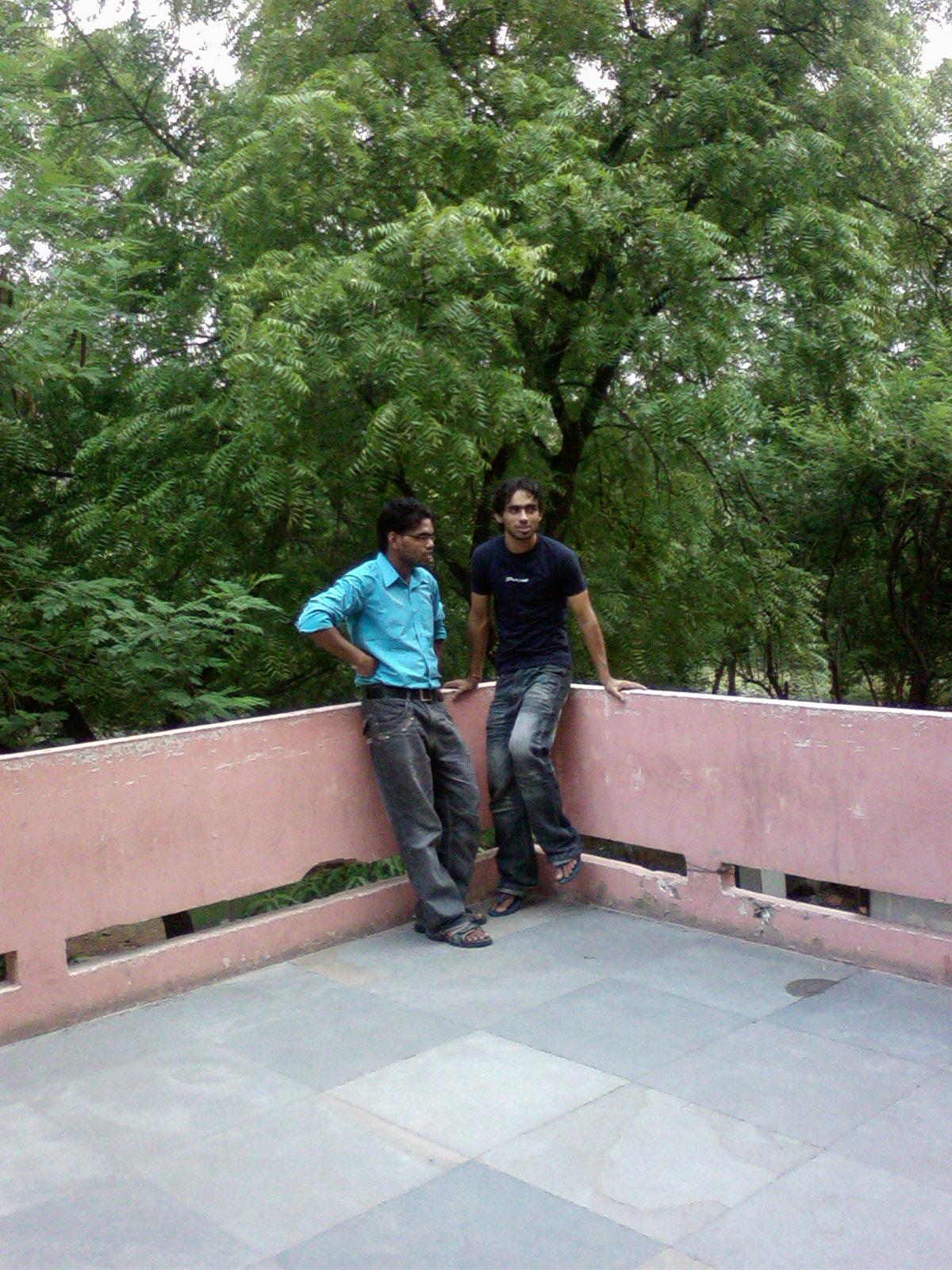 mahesh n iqubal @ centre waiting 4 DEAN !