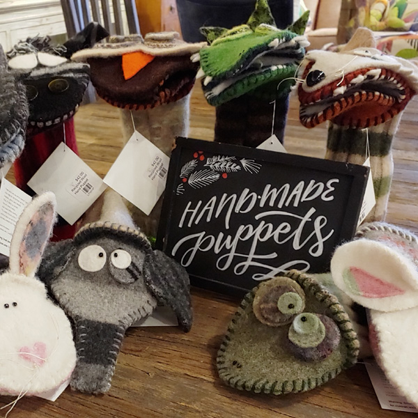 Wool-hand-puppets