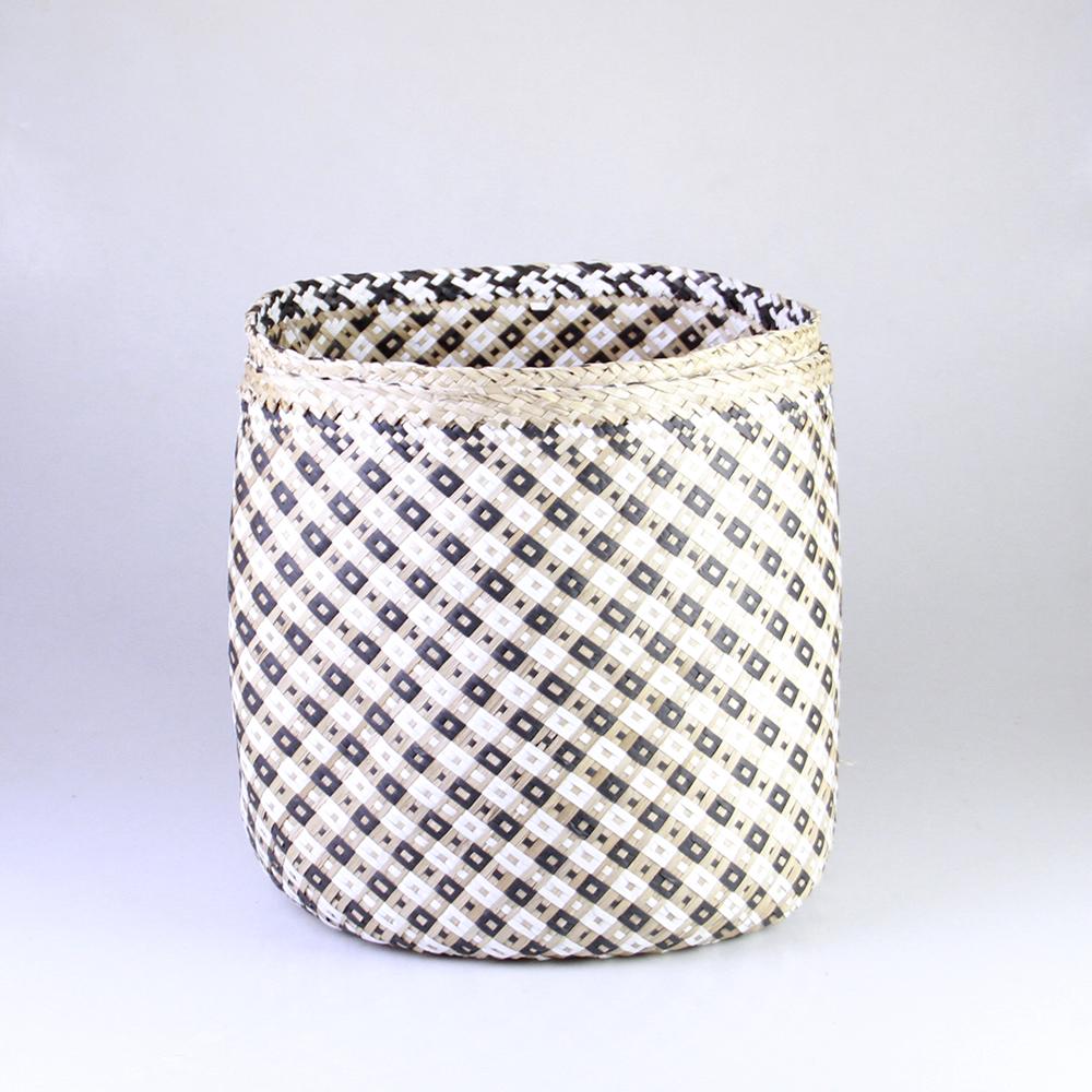 Sea grass basket, black and white checkered