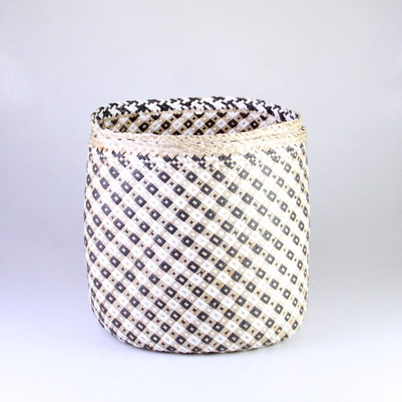 Sea grass basket, black and white checkered
