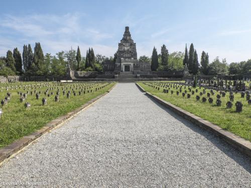 Cimitero-del-villaggio-operaio-di-Crespi-dAdda