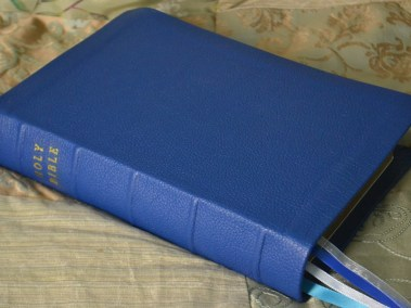 Royal Blue Pebble Grain Cowhide Bible