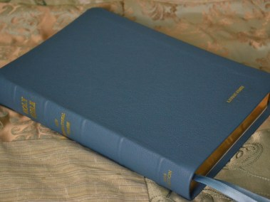 Steel Blue Pebble Grain Cowhide Bible