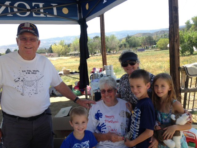 Leona Valley Garage Sale Kids donate to Sertoma.