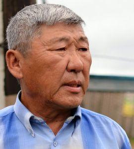 Цыцыков Борис Цыбикович, заведующий Улюнской врачебной амбулатории, председатель местной религиозной организации шаманов Баргузинской долины «Бархан Уула»