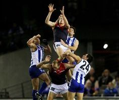 Fútbol australiano, una forma diferente de chutar a gol